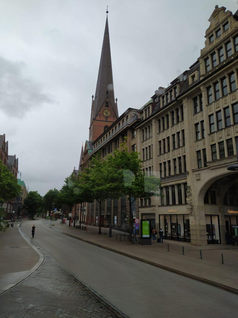 Stadtrundfahrt_mit_den_RotenDoppeldeckern_Hamburg